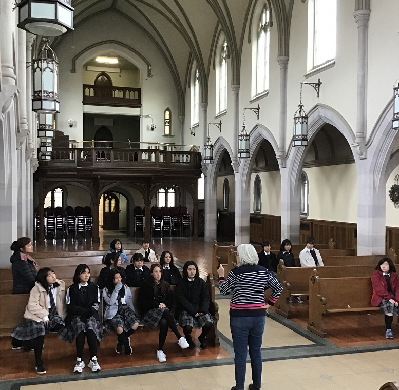 結婚式ができる教会の中 Chapel where weddings can be held.